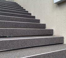 Steinteppich auf Treppen